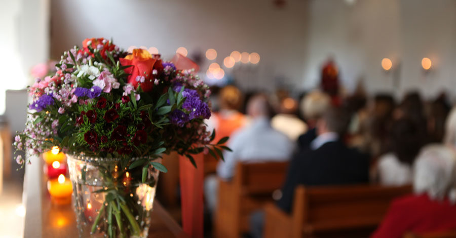 Creative ways to personalise a funeral service with small personal touches that help make it unique